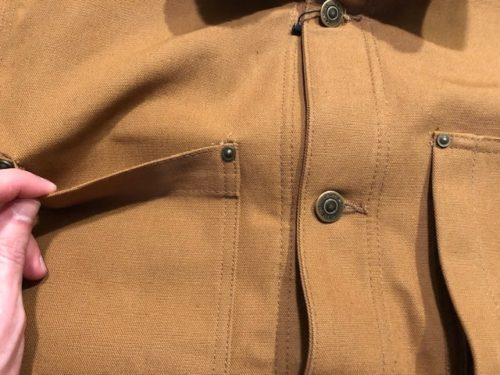 carhartt-duck-chore-coat-review-front-open-pocket