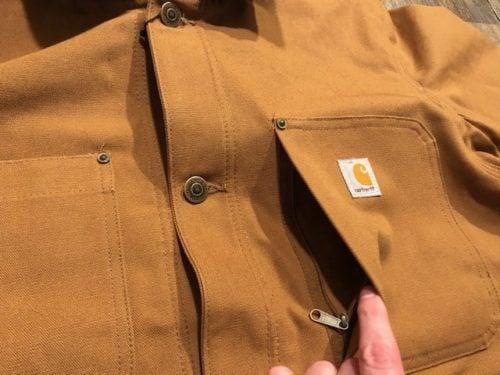 carhartt-duck-chore-coat-review-front-zip-pocket