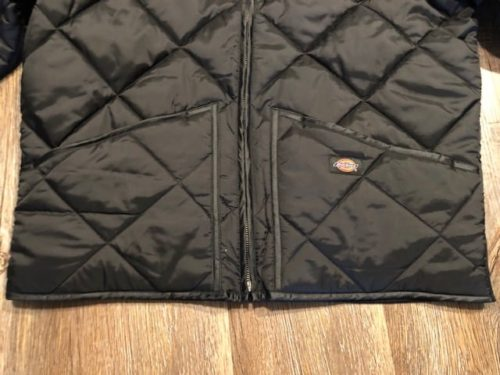 dickies-diamond-quilted-jacket-pockets
