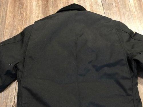 yukon-arctic-Carhartt-extreme-coat-review-shoulders