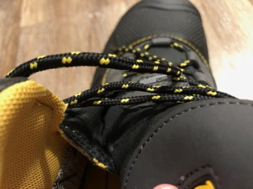 keen-logandale-boots-tongue
