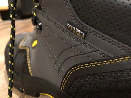 keen-logandale-boots-waterproof
