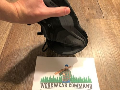 keen-flint-2-comp-shoe-flexibility