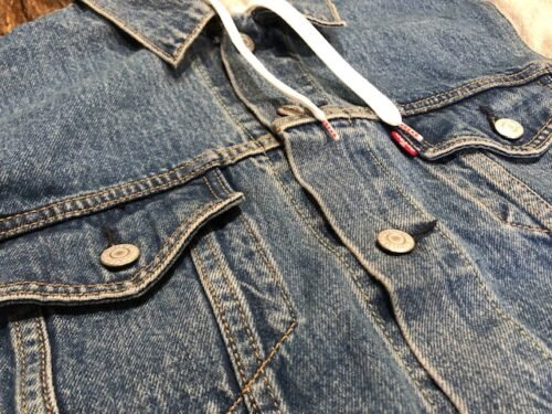 hooded-denim-jacket-levi-buttons